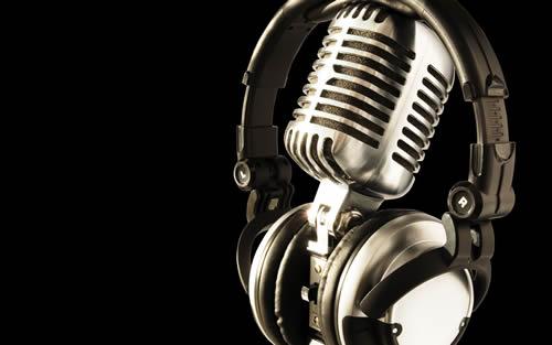 Radio Reunion retro mic